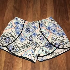 multi color and patterned shorts, size large